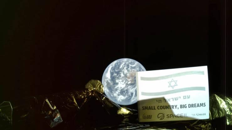 """Israel wollte am Donnerstag mit der Raumsonde """"Beresheet"""" auf dem Mond landen. Dies gelang jedoch nicht: Nach Angaben der Organisation SpaceIL war der wichtigste Motor der Raumsonde beim Landemanöver ausgefallen. Die Kommunikation mit der Sonde ging verloren."""