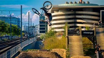 Hoch hinaus: Im Bikepark neben dem Zürcher Einkaufszentrum Sihlcity übt Lucas Huppert mehrmals pro Woche seine Tricks.