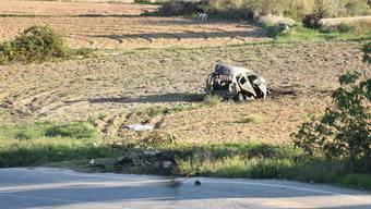 Nach dem Autobombenanschlag liegt das Wrack des Wagens von Daphne Caruana Galizia auf einem Feld. Die 53-jährige Investigativjournalistin prangerte in ihren Artikeln wiederholt Korruption auf der Mittelmeerinsel Malta an.