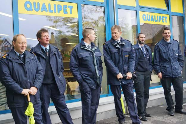Nebst ehemaligen Offizieren und Kommandanten der Feuerwehr Schlieren verfolgte am Samstagnachmittag auch eine Delegation anderer Limmattaler Brandschützer die Hauptübung.