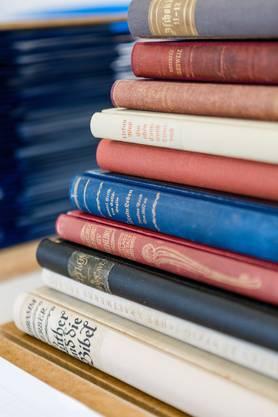 Alte Bücher werden neu gebunden.