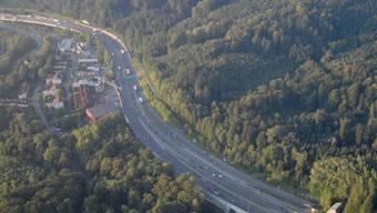 Auf der A1 bei Neuenhof machte eine 14-Jährige eine Strolchenfahrt. (Archivbild)