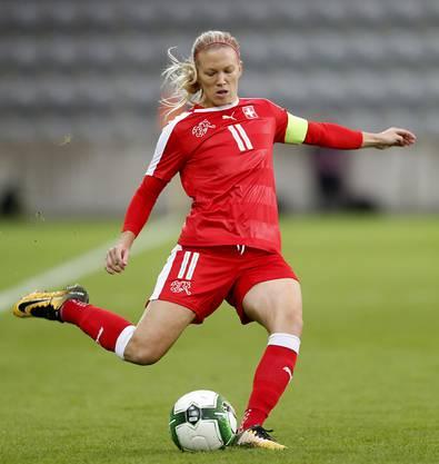 Ihre Pässe und Tore werden der Schweiz im Playoff fehlen: Lara Dickenmann fällt verletzungshalber aus.