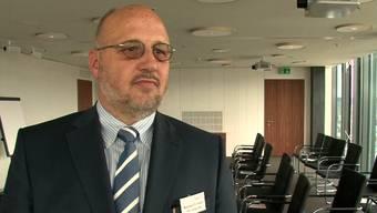 Andreas Sallmann, Präsident des Schweizerischen Textilverbandes, erklärt warum seine Branche noch nicht am Ende ist.