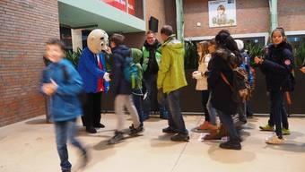 Zurzibieter Kinder auf Besuch im Kino Trafo
