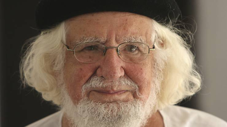 Der nicaraguanische Befreiungstheologen und Dichter Ernesto Cardena. Wegen seines politischen Engagements hatte ihm der frühere Papst Johannes Paul II. die Ausübung von priesterlichen Ämtern verboten. (Bild von 2008)
