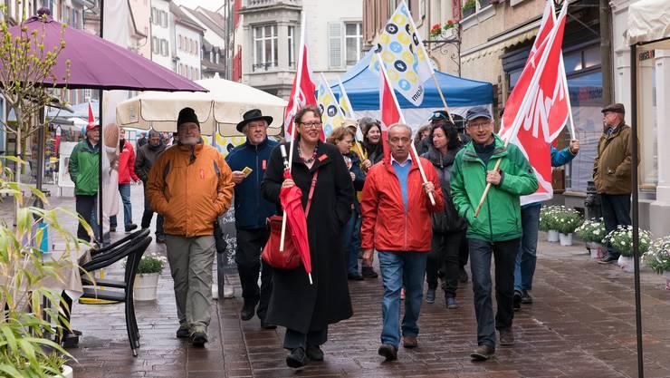 Demomarsch durch die Martkgasse zum Rathausplatz