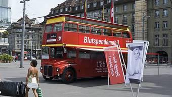 Die Tour-de-Suisse des Blutspendemobils konnte 3000 Menschen zur Blutspende motivieren