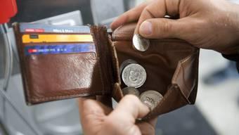 Lohnkürzung: Zeitungsfrühzusteller wehren sich gegen die Sparmassnahmen der Firma Prevag.