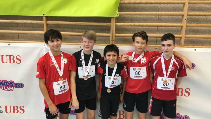 Die U14 Jungs zeigen einen starken Wettkampf und siegen in ihrer Kategorie: v.l.n.r. Nikko Güttiger, Timo Zingg, Robin Gloor, Jeroen Michalik, André Bütler