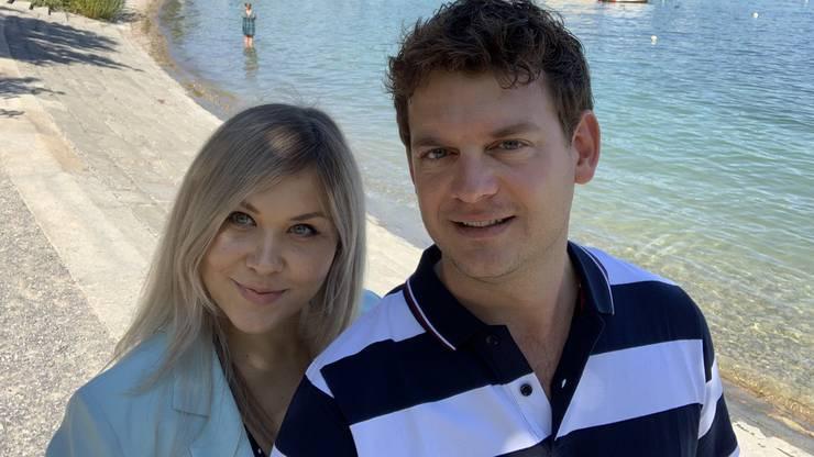 Natalya und Adrian Walker sind sie verheiratet, haben zwei Buben und sind seit 2017 selbstständig.