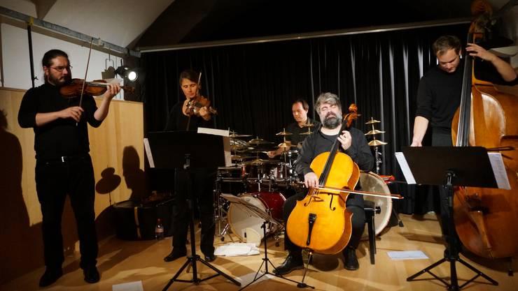 Klangcombi spielt sowohl leise bittersüsse wie auch laute virtuose Klänge.