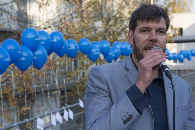Sacha Studer, Leiter der Fachstelle Kinder und Jugendanimation begrüsst die Gäste