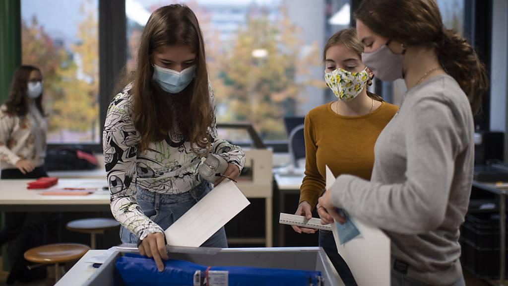 Maskenpflicht in Zürcher Schulen ab der 4. Klasse