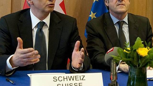 Bundesrat Burkhalter (l.) in Brüssel
