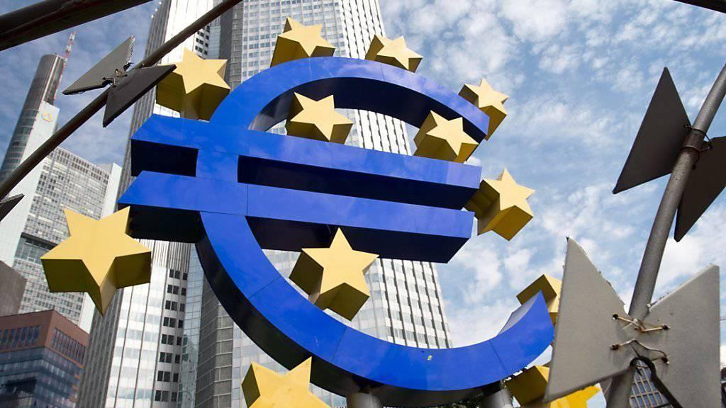 Die EZB lässt die Geldschleusen unverändert weit offen.