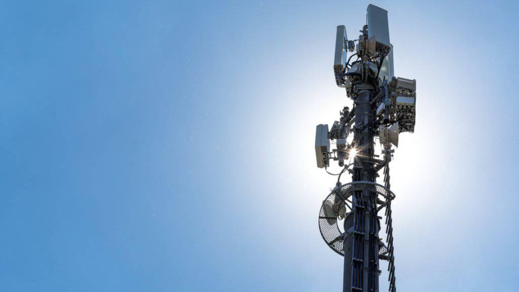 Sunrise nimmt die erste 5G-Antenne der Schweiz in Zürich Oerlikon in Betrieb.