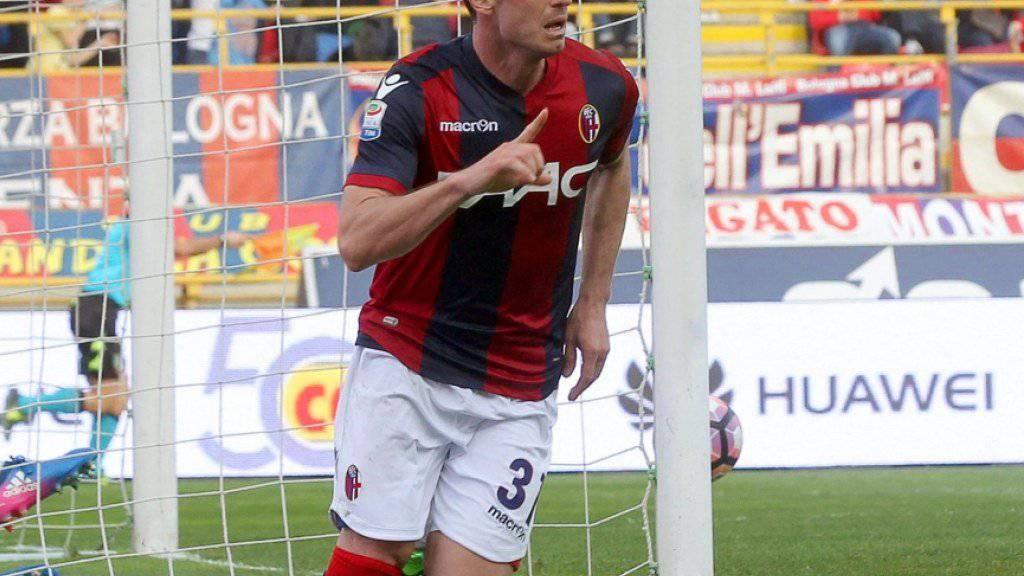 Blerim Dzemaili jubelt nach einem seiner zwei Tore für Bologna