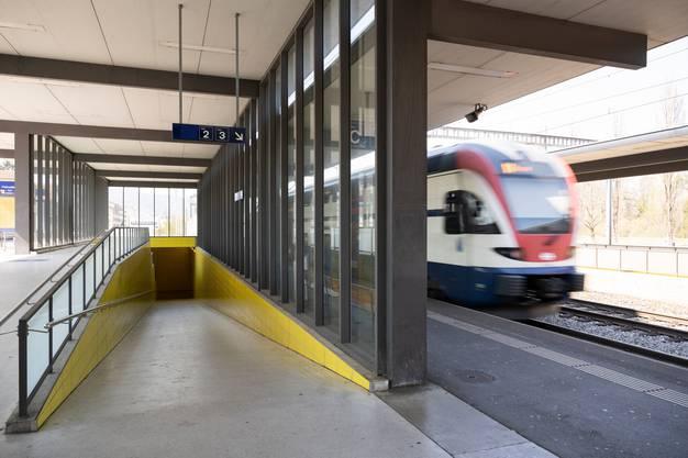 In allen Bahnhöfen der SBB gibt es bald neue Durchsagen.