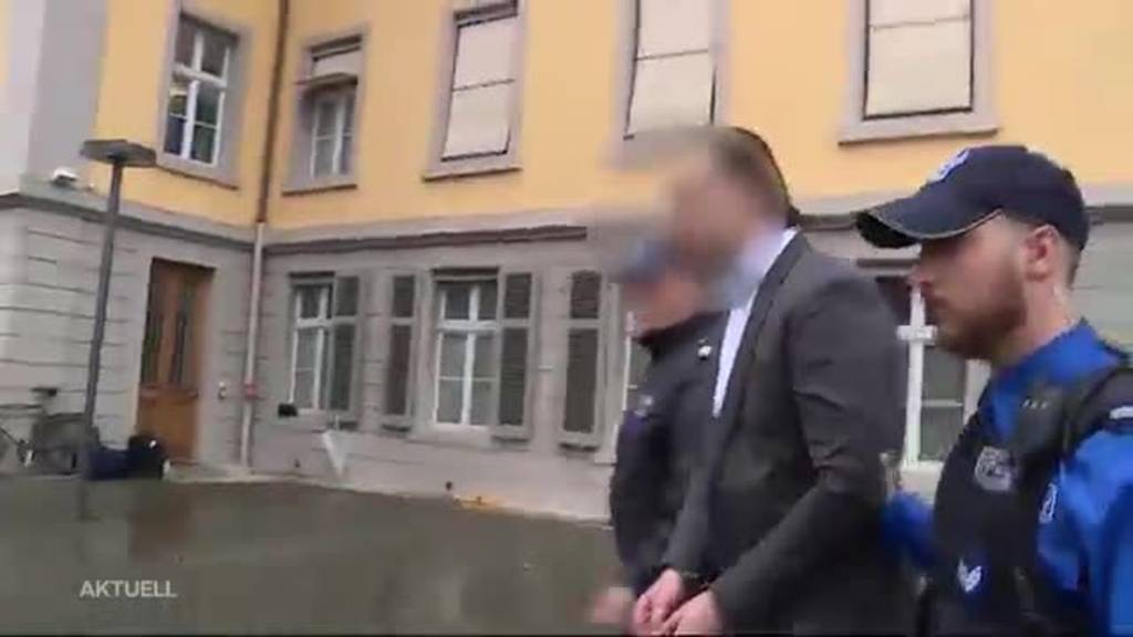 Über 30 Messerstiche: Bezirksgericht Aarau behandelt brutalen Mord
