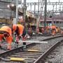 Im Bahnhof Luzern werden gleich sieben Weichen ersetzt. Grund dafür sind die Entgleisungen im Bahnhof Luzern und Basel vergangenen Jahres.