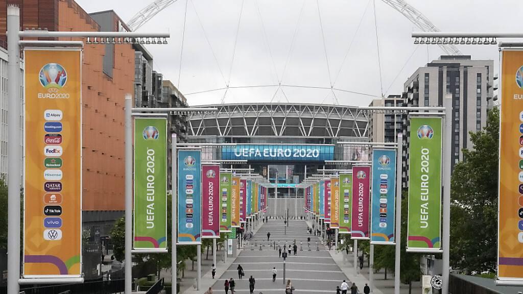 London sollte eigentlich Schauplatz der Halbfinals und des Final sein, doch die steigenden Corona-Infektionen könnten für Änderungen sorgen