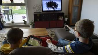 Zwangs-Werbung im Fernseh-Archiv? Die Branche streitet über Catchup-TV. Foto: Keystone