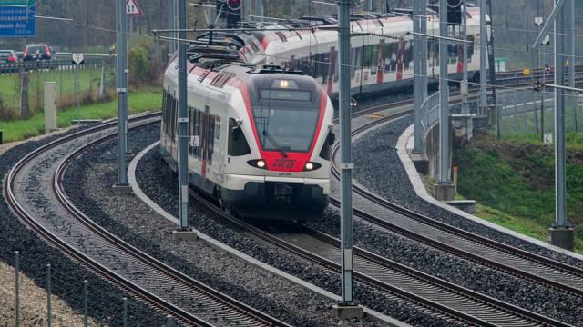 Der Bahnverkehr der S-Bahnlinien auf der Linie Winterthur–Schaffhausen wird voraussichtlich bis Mittag 13 Uhr unterbrochen sein. (Symbolbild)