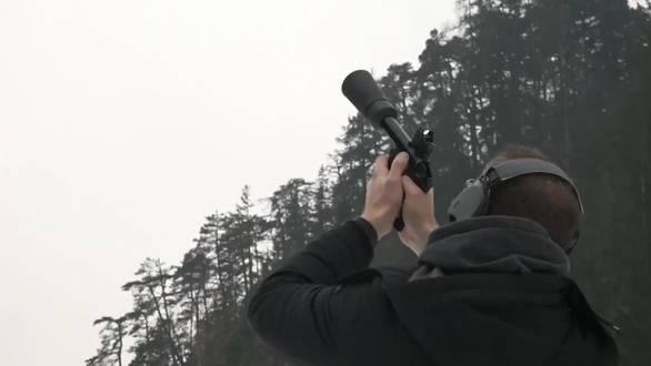 Churer entwickeln Pistole zur Drohnenabwehr
