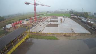 So sieht die Baustelle für das neue Logistikzentrum von Swisslos derzeit aus.