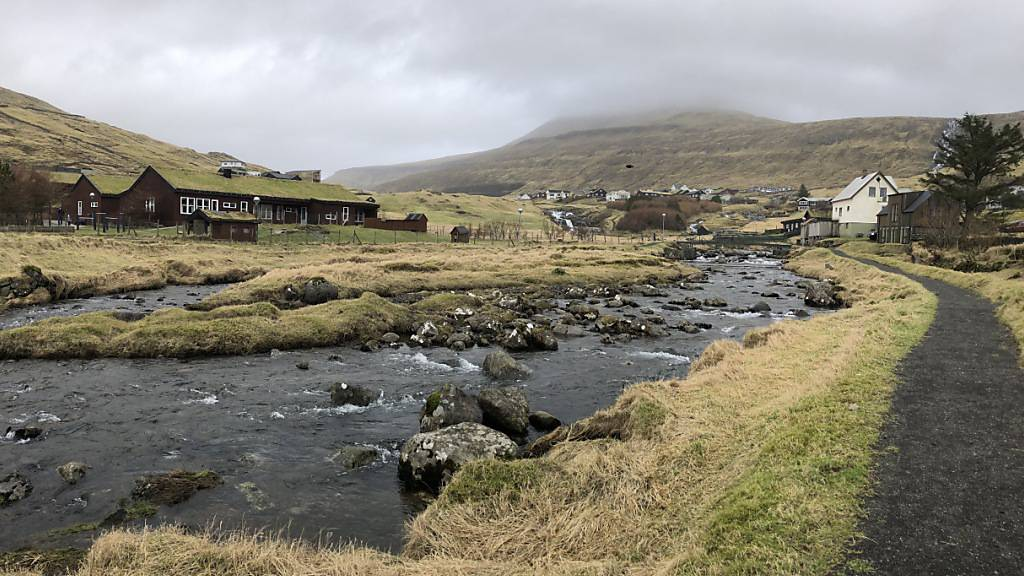 Die im Nordatlantik gelegenen Färöer-Inseln mit ihren knapp 50.000 Bewohnern melden erstmals seit Juli 2020 keinen aktiven Corona-Fall mehr. Foto: Steffen Trumpf/dpa