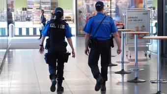 Auch in den nächsten drei Jahren soll die Polizei mit der Aktion «Crime Stop» für Sicherheit im Aargau sorgen.