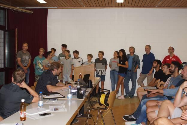 Die erfolgreiche U13 Mannschaft mit ihren Trainern