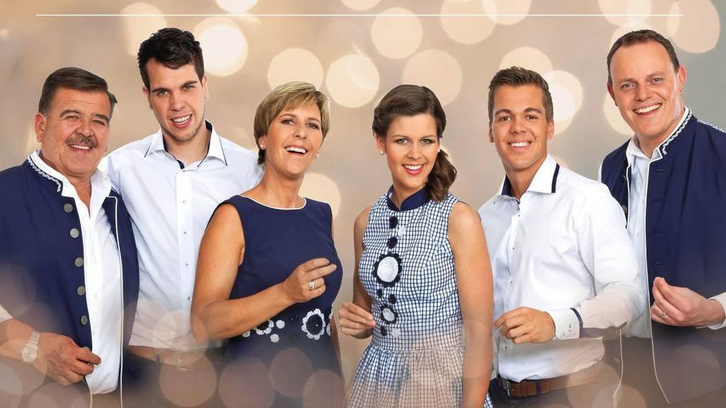 Oesch's die Dritten singen ihren ersten Weihnachtssong