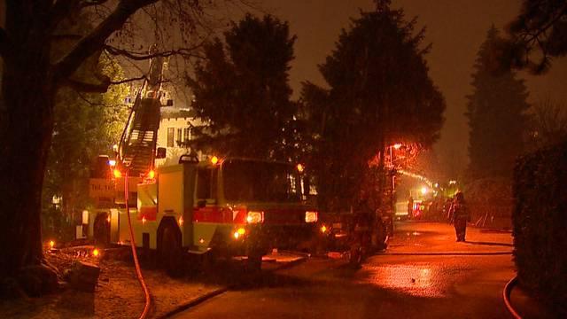 Christbaum-Brand zerstört Wohnhaus
