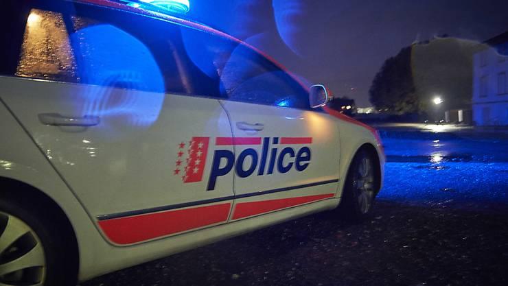 """Ein """"familiäres Problem"""" hat am Mittwochabend die Walliser Polizei im Dorf Grimsuat auf Trab gehalten. Die Polizei nennt jedoch keinerlei Details. (Symbolbild)"""