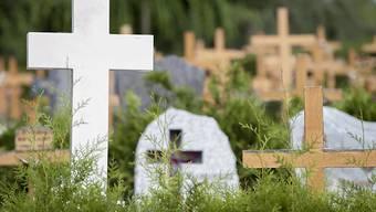 Die Grippewelle und die Hitze setzten 2015 vor allem älteren Menschen zu und führte zu einem starken Anstieg der Todesfälle. (Symbolbild)