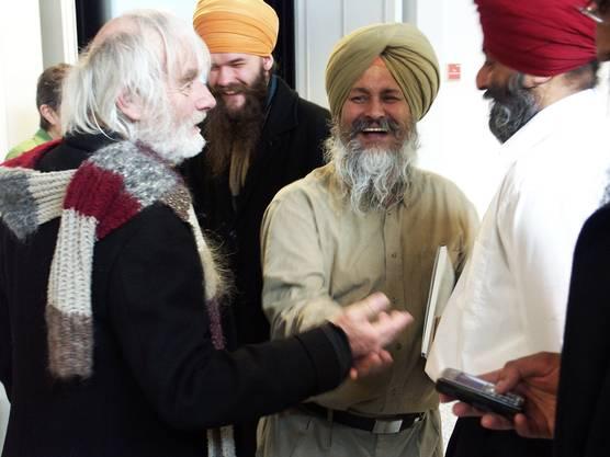 Pfarrer Ernst Sieber (links) unterstützte im Jahr 2008 das Härtefallgesuch der Sikh-Familien. jk