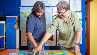Jaime Armas und Maire Eve Morf versuchen den Asylsuchenden zu helfen, wenn sie einen Plan B brauchen. Sandra Ardizzone