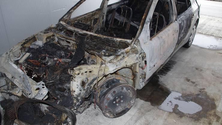Rothrist_Auto ausgebrannt_25.10.-3.jpg