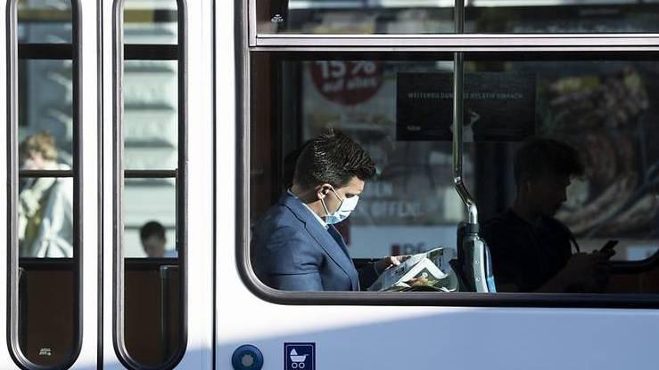 Ab Montag gilt eine Maskenpflicht im öffentlichen Verkehr
