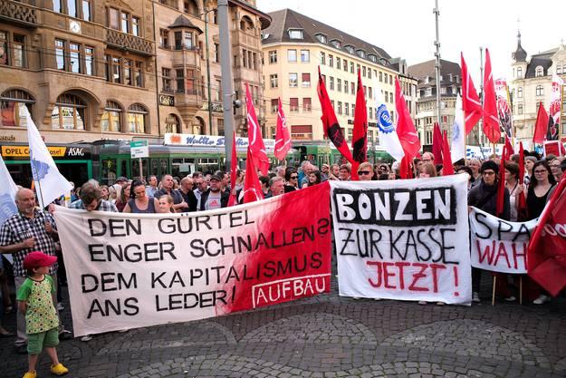 Gegen 2000 Protestierende dürften anwesend gewesen sein.