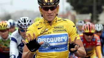 24. Juli 2005: Lance Armstrong feiert den siebten Tour-de-France-Titel – mithilfe der UCI? Später werden ihm alle aberkannt.