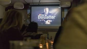 """Public Viewing """"Der Bestatter"""" im Brügglifeld"""