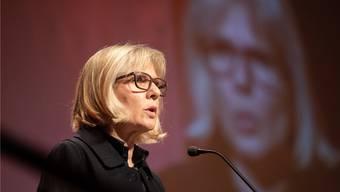 Regierungsrätin Brigit Wyss – hier bei der kürzlich erfolgten Verleihung des Unternehmerpreises – referierte vor der Töpfergesellschaft Solothurn.