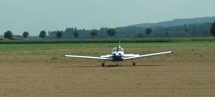 Beim Flugplatz Birrfeld kam es zu einer Notlandung eines Flugzeugs.