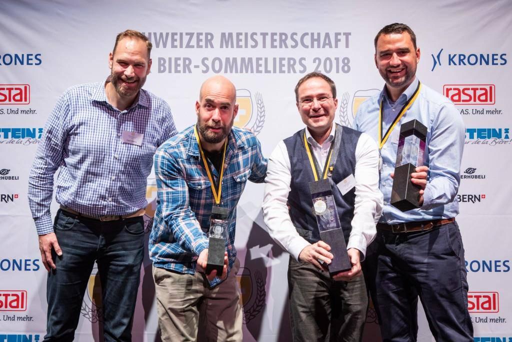 Die Schweizer Nationalmannschaft der Bier-Sommeliers. (© Schweizer Brauerei-Verband)