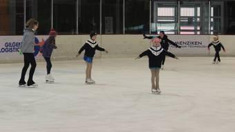 Heute veranstaltet der Eislaufclub Mittelland zum letzten Mal eine Probelektion für alle Daheimgebliebenen.