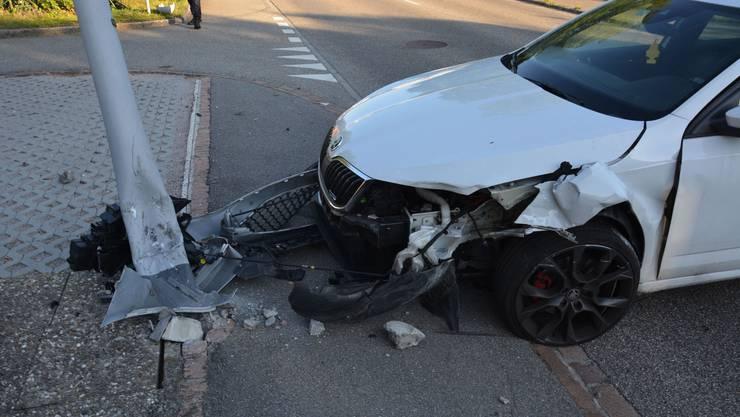 Am Sonntagmorgen hat ein angetrunkener Autofahrer in Obergösgen einen Selbstunfall verursacht.