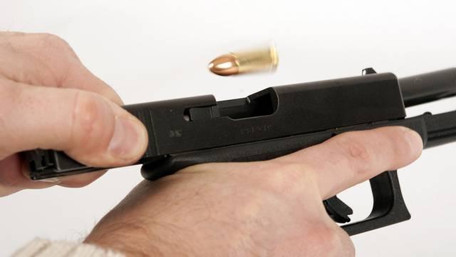 Ein Schweizer wollte in Österreich auf illegalem Weg Glock-Pistolen kaufen (Symbolbild)